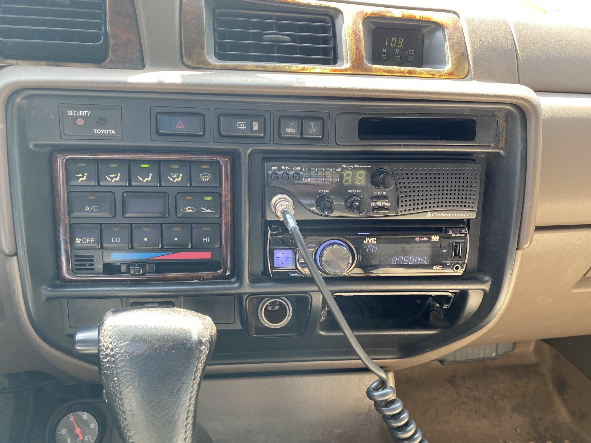 Int - Radio-CB.jpg