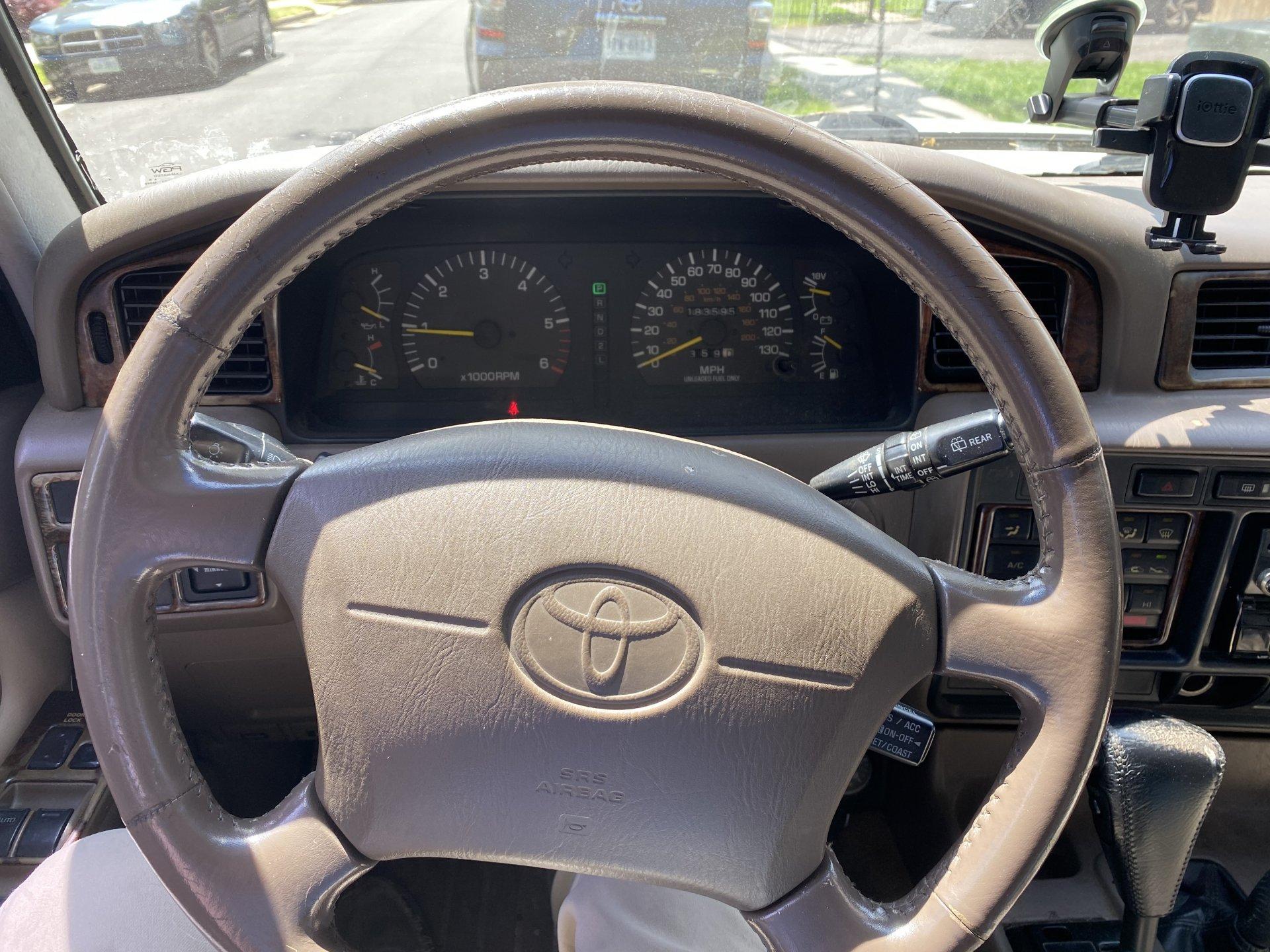Int - Steering Wheel.jpg