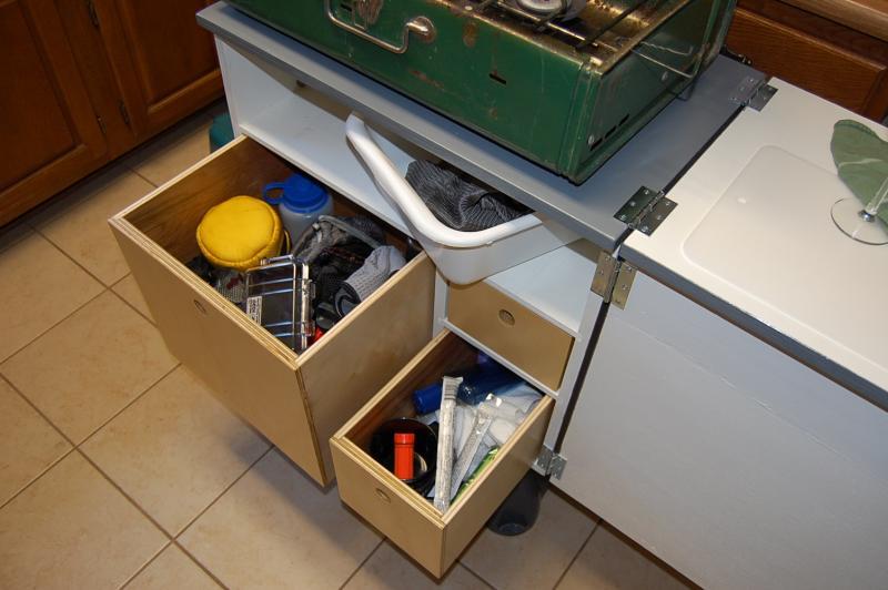 Kitchen box 011.jpg