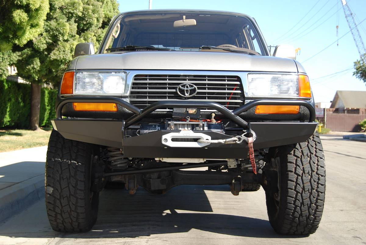 LC Front Bumper Slee Offroad.jpg