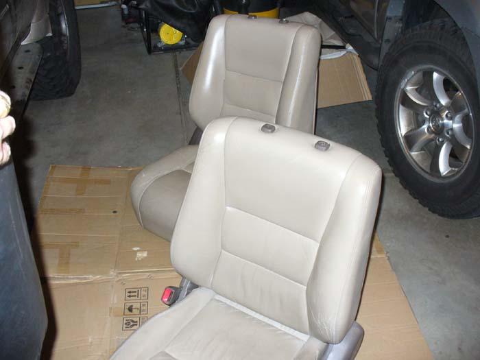 Leather seats 002.JPG