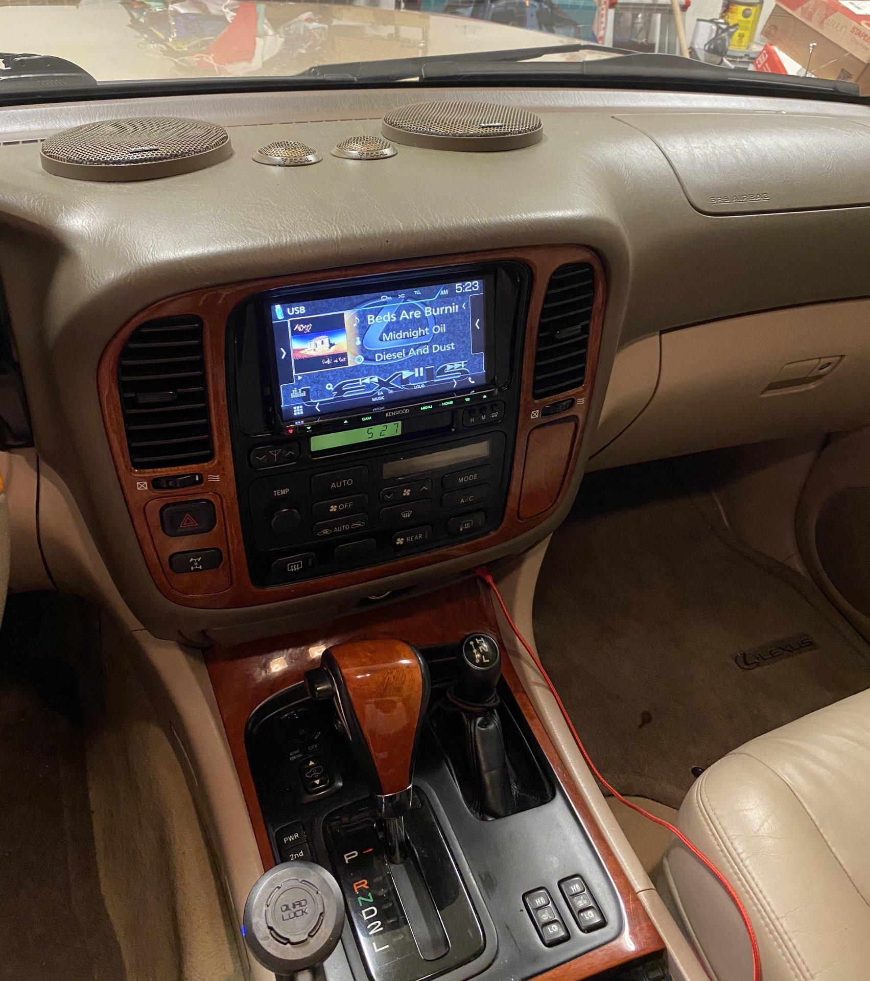 Lexus LX 470 Center Console pictures (5).jpg