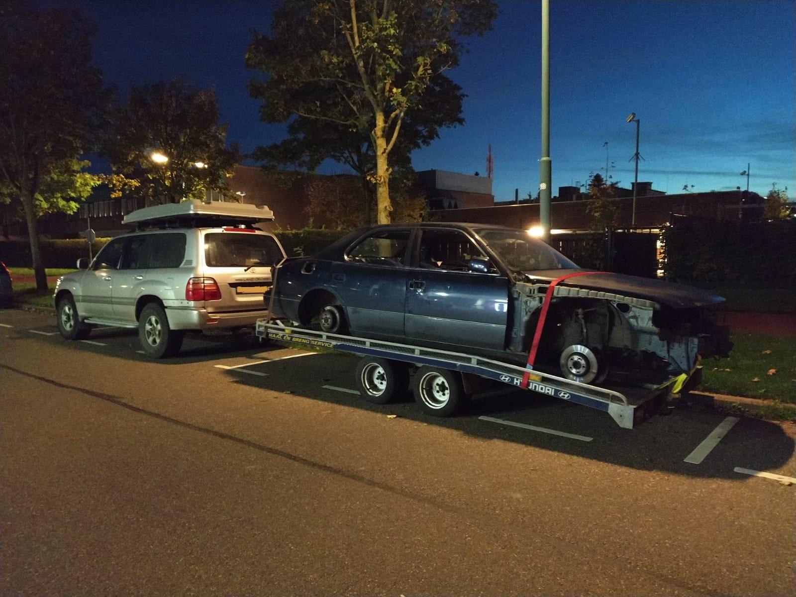 ls400 on trailer.jpeg