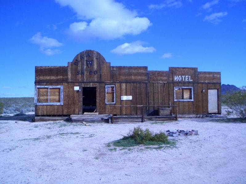 Mojave Road 002.jpg