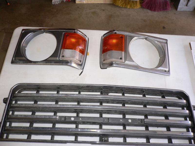 For Sale - FJ60 Center Console(Brown) and Front Grille and Headlight