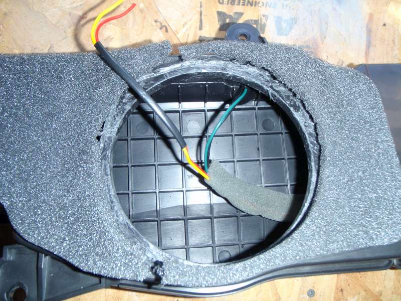 How to: Replacing OEM Subwoofer in 3rd Row | IH8MUD Forum
