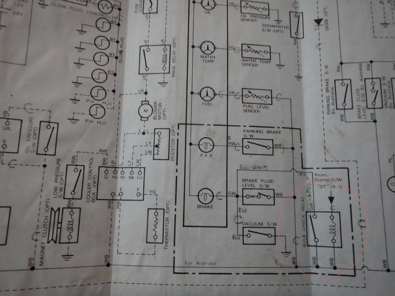 can someone explain the fuel filter light? hj47 land cruiser hj75 wiring diagram at bayanpartner.co