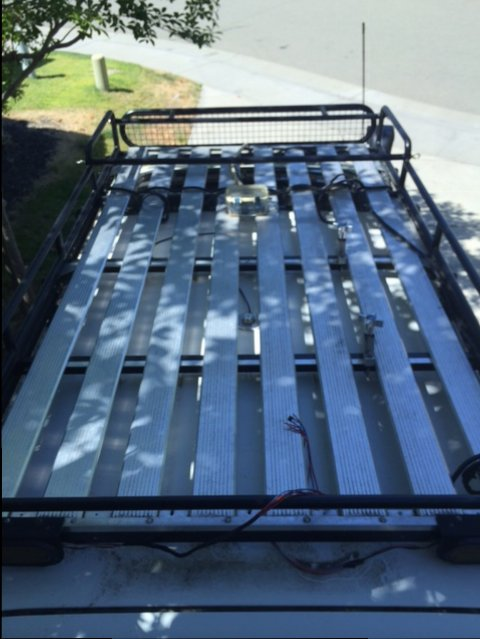 For Sale Inti Full Length Roof Rack With Light Bar