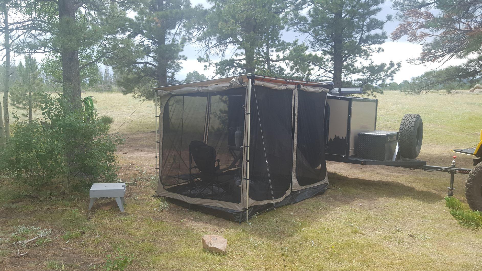 R_Camp_Screen room.jpg