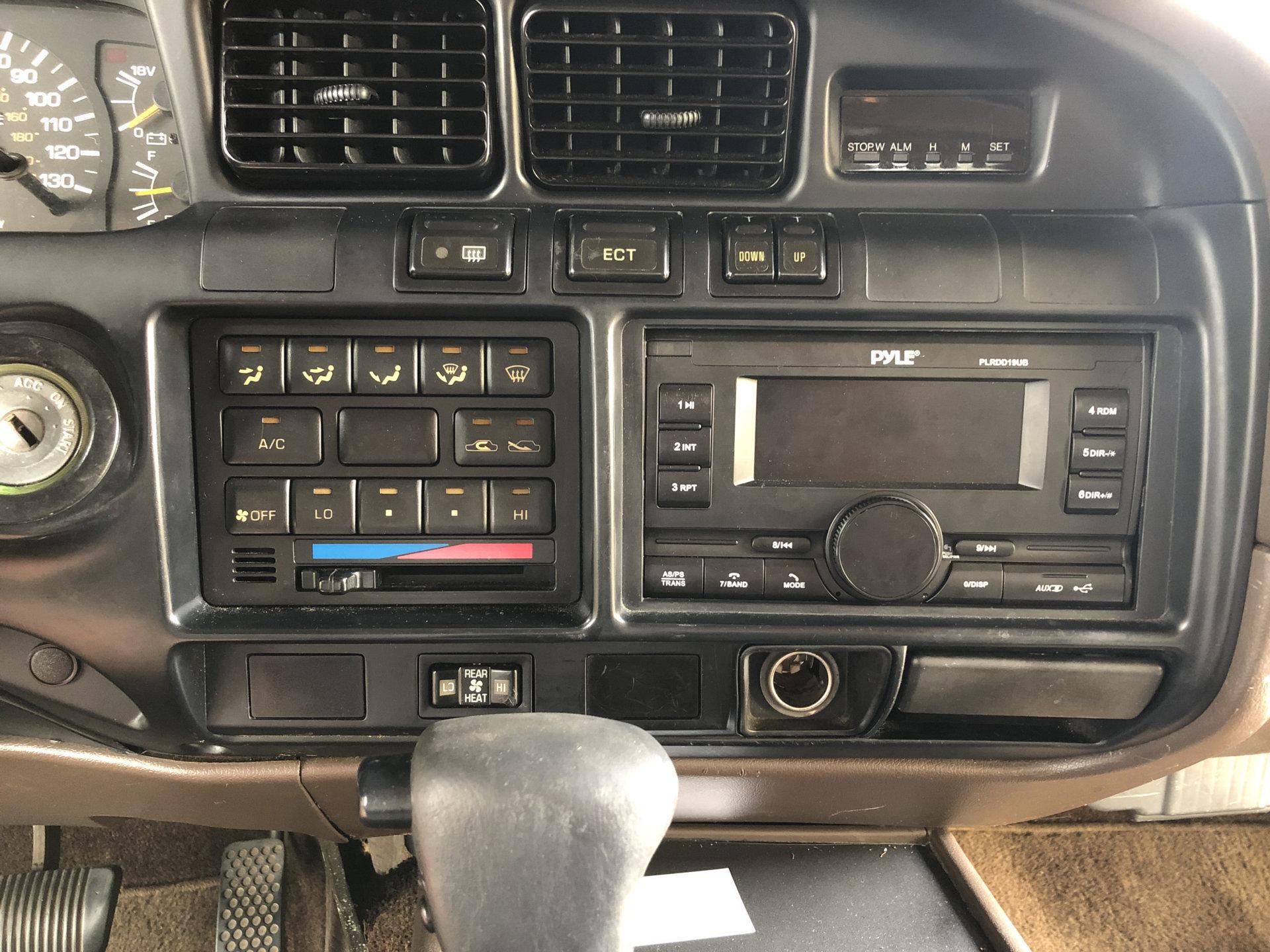 Radio Install.jpg