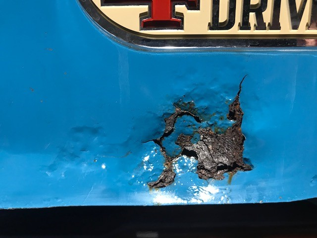rear rust.jpg