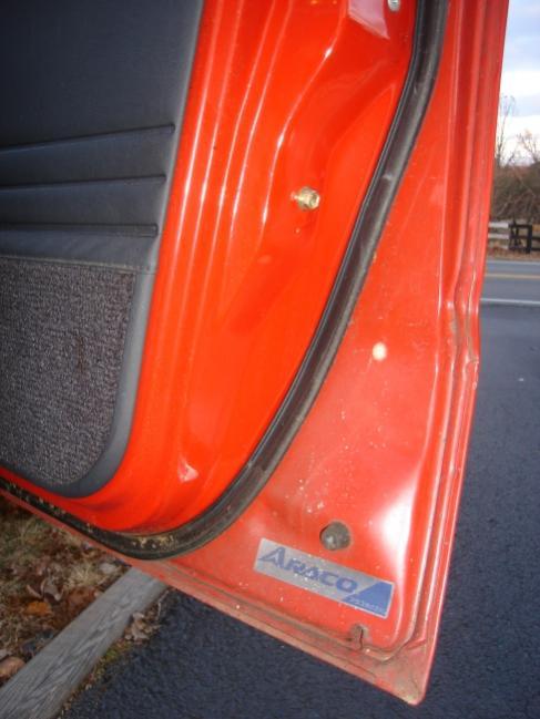 red62aracodoor.jpg