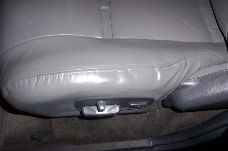 seat1 (Medium).jpg