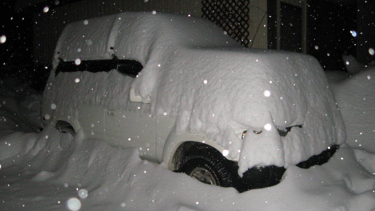 Snowy Fj80.JPG