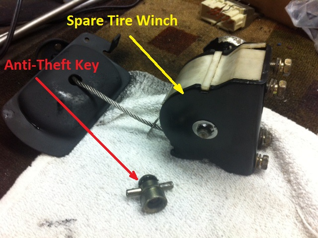 Spare Tire Winch LX470.jpg