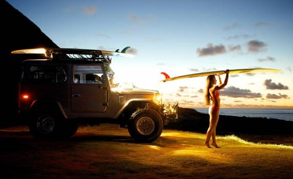surf chick fj40.jpg