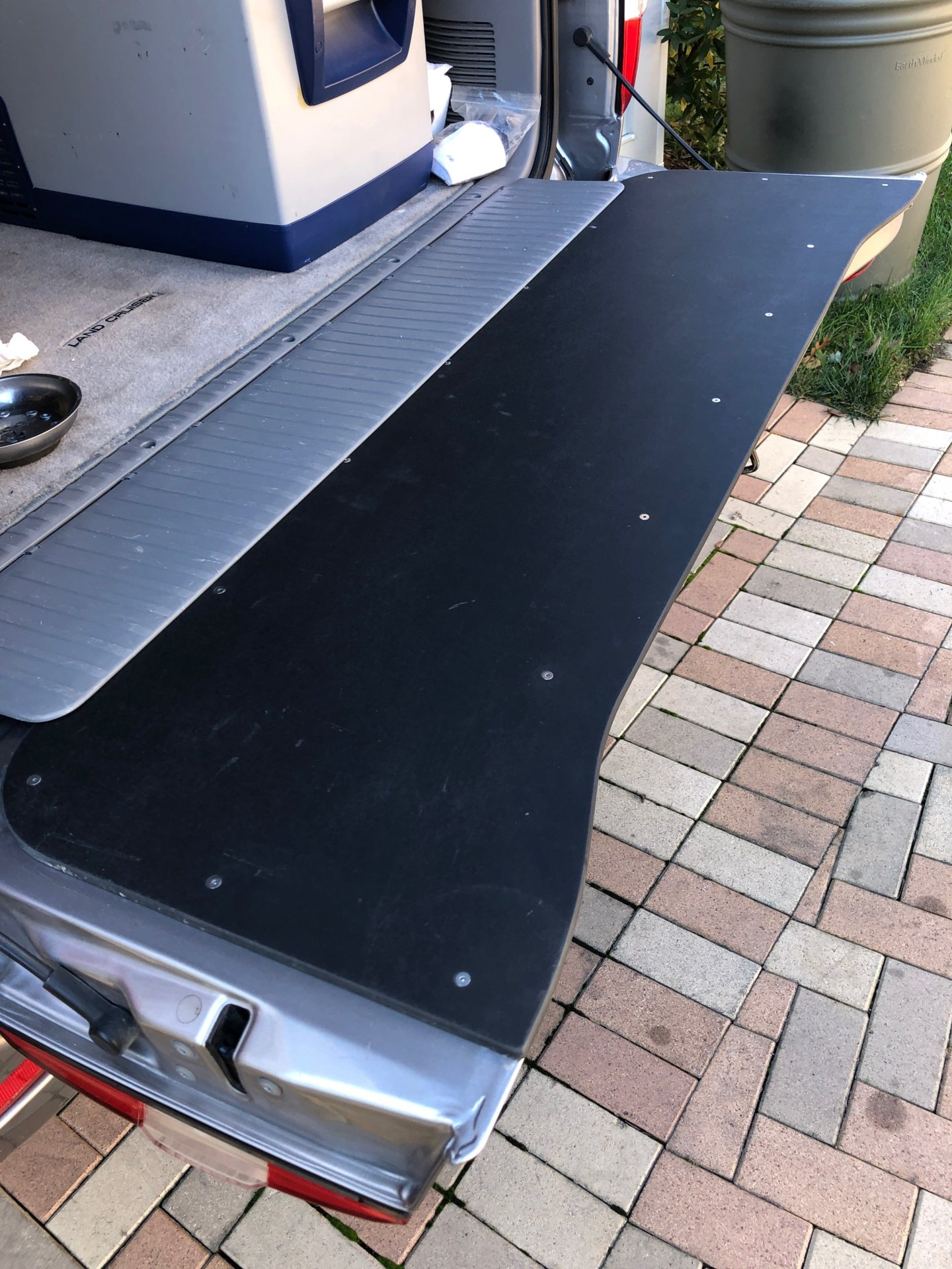 Tail Gate Cover.JPG