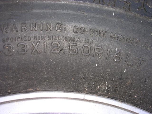 tire and rim 33x12.5x16 150 2.JPG