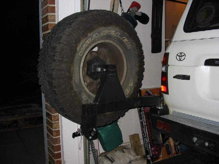 tire carrier-open2.jpg