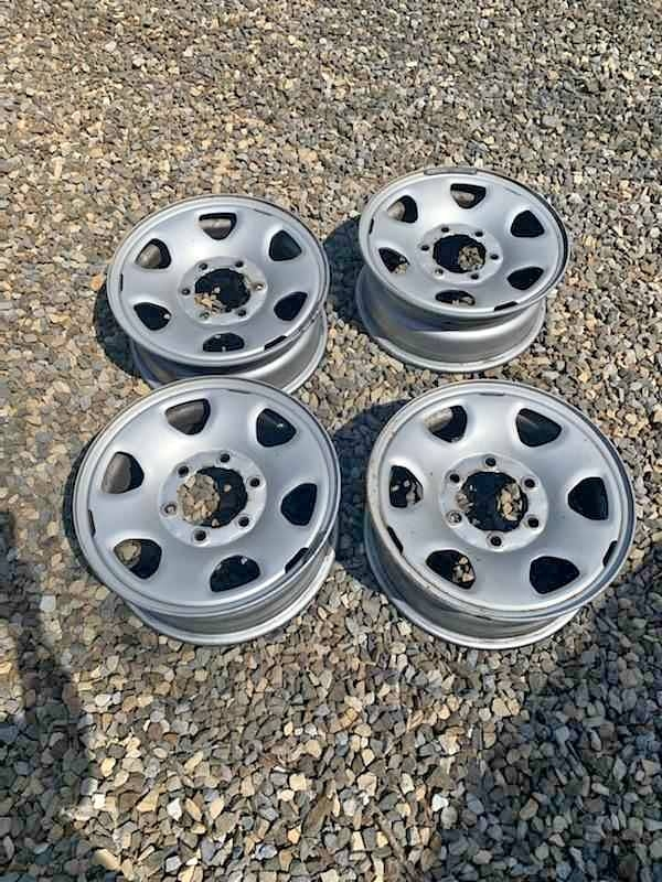 Toyota steel wheels.jpg
