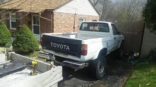 Truck white 2.jpg