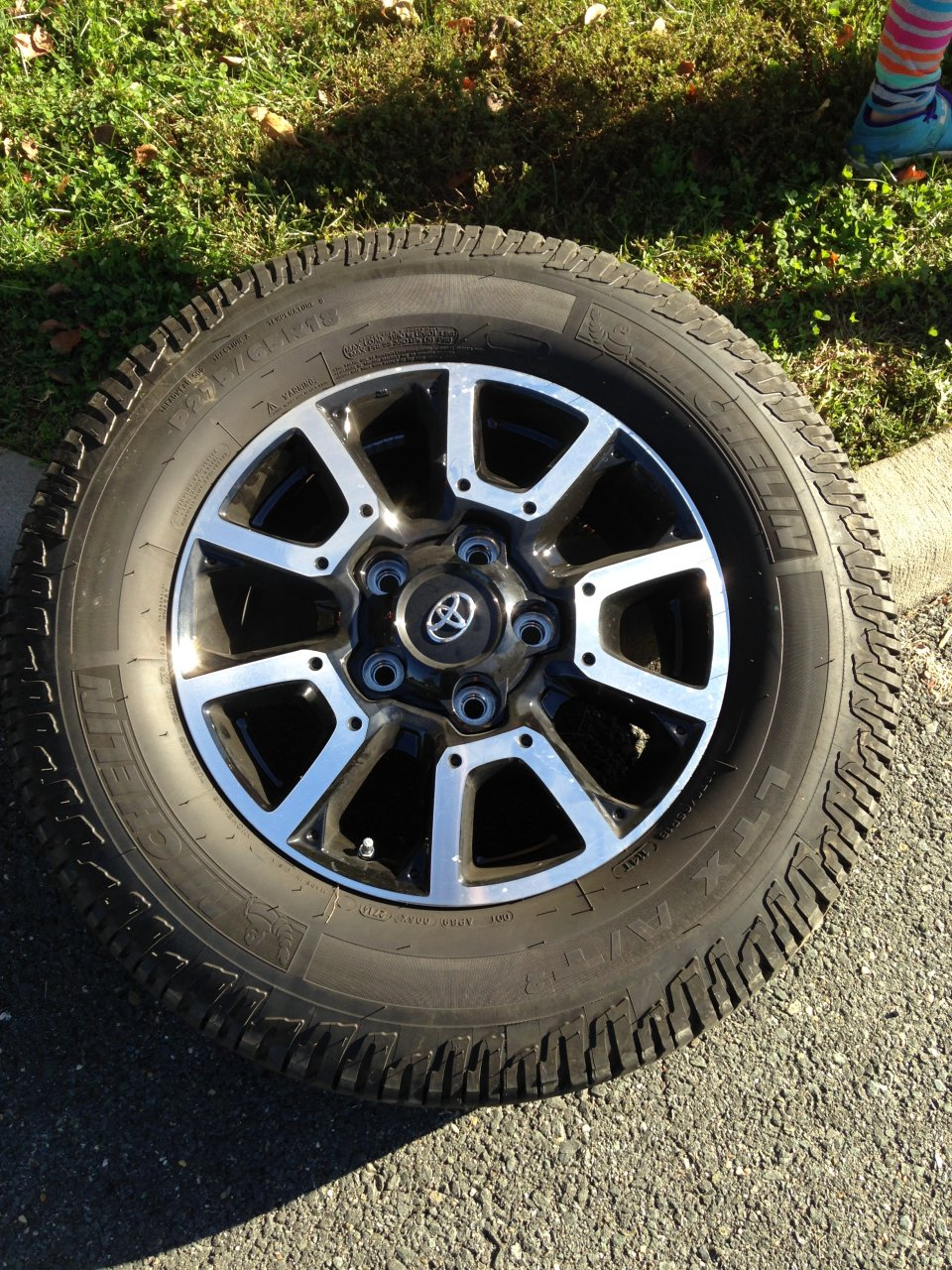 2014 Tundra Wheels >> For Sale - 2014 Tundra TRD wheels with tires | IH8MUD Forum