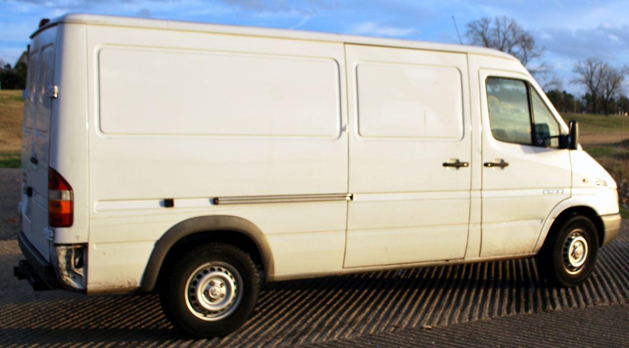For Sale - 2005 Dodge ~ Mercedes T1N Diesel Sprinter 2500 Cargo WORK