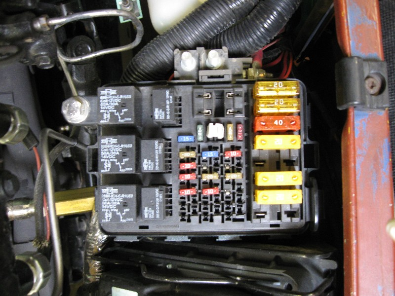 vortec fuse block jpg.679392 gm fuse box terminals gmc wiring diagrams for diy car repairs 1974 Chevy Truck Fuse Box Diagram at mifinder.co