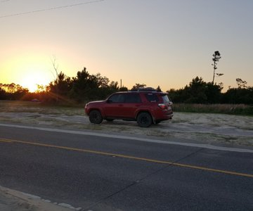 4Runner at sun set