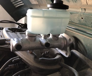 FZJ80 non-ABS master cylinder